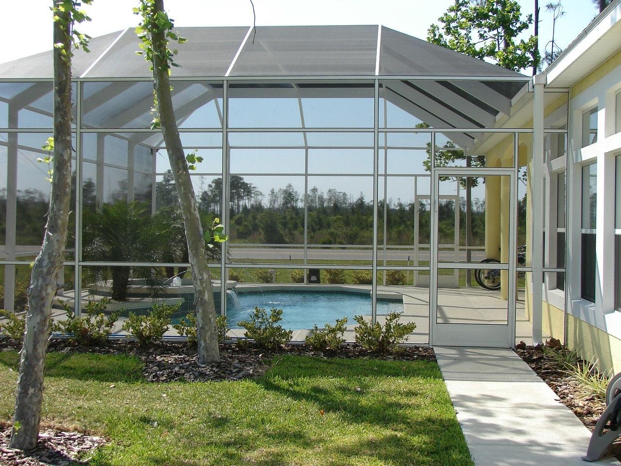 Design Concept le fabricant qui ravira votre piscine avec un abri