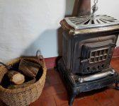 Pourquoi et comment isoler derrière un poêle à bois ?