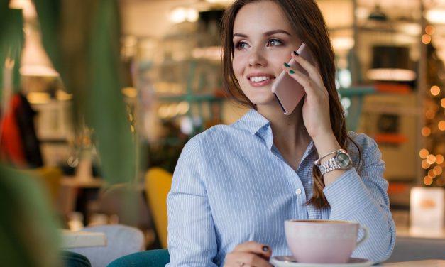 L'histoire du téléphone rose en France : Vous avez déjà croisé ses annonces !