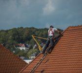 Nettoyer une toiture en Seine-et-Marne quelle est la bonne période?