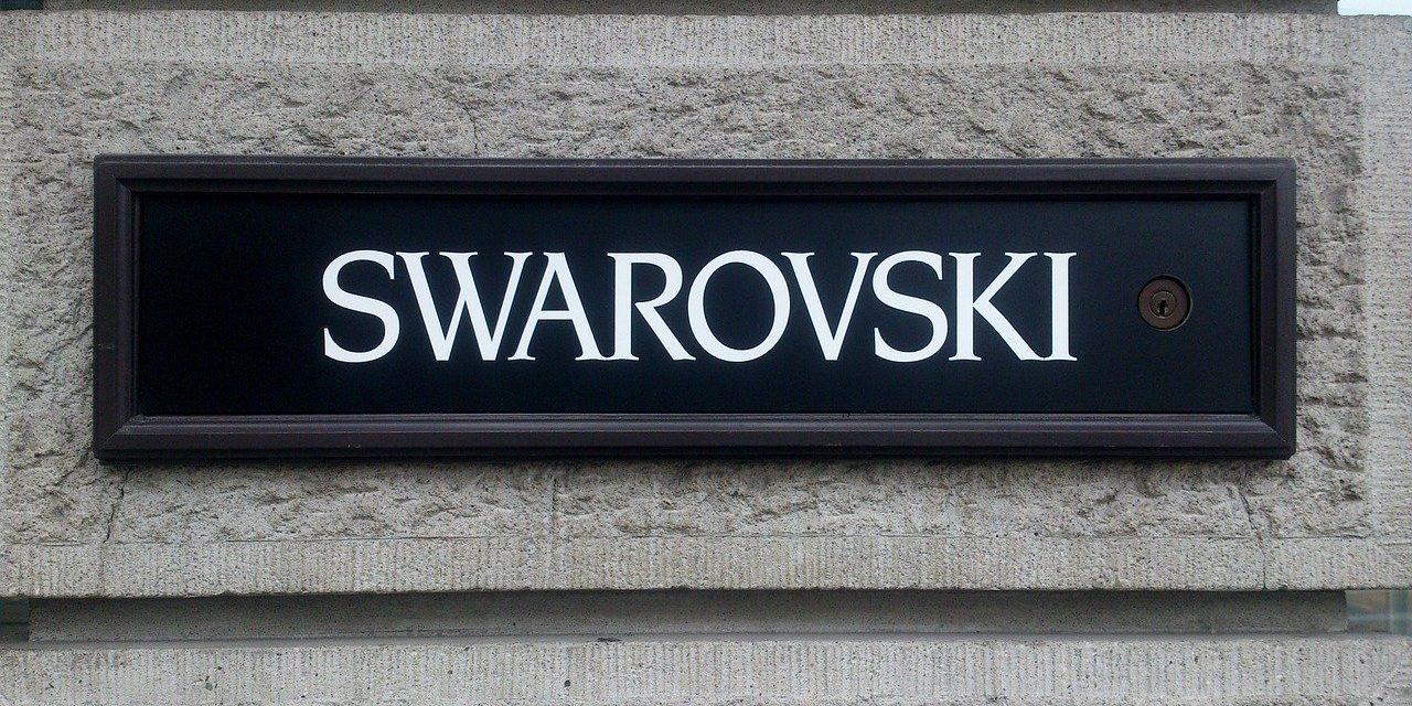 Swarovski proposent-ils des bijoux chat ?