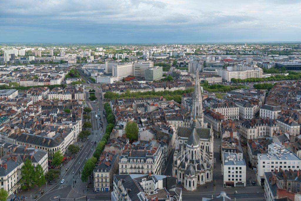 vue du ciel de la ville de Nantes